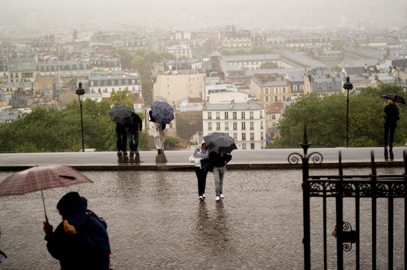 Traveling through Canet de Rousillet and Paris, France with friends.